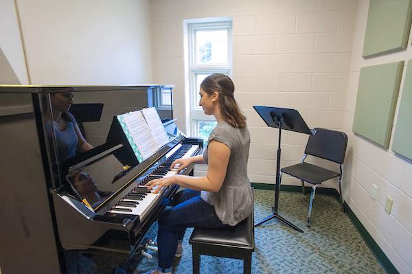 Susquehanna University piano student